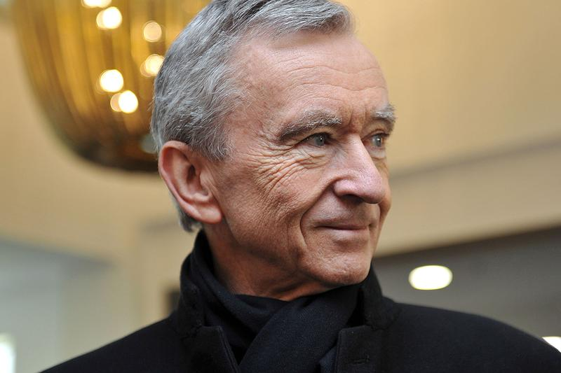 bernard arnault Bloomberg Billionaires Index second place first third bill gates microsoft lvmh moet hennessy louis vuitton jeff bezos amazon net worth 107.6 billion centibillionaire