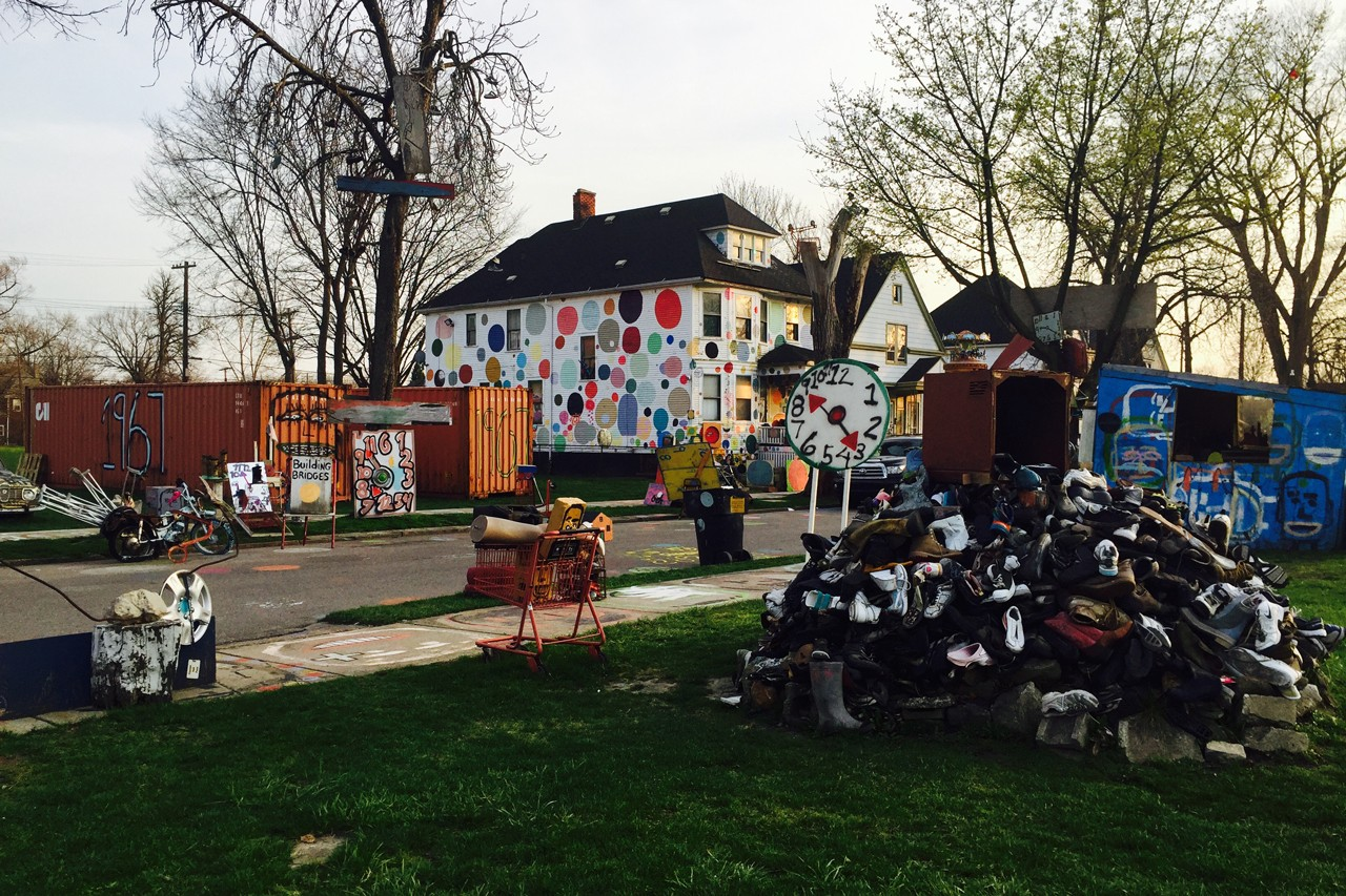 detroit art week 2019 daw exhibitions on view cultural installations red bull arts residency pamela council blaxidermy pink kearra gopee claire lachow bree gant show me your shelves landlord colors cranbrook art musuem heidelberg project young curators new ideas trumbull porter aleiya lindsey amani olu museum of contemporary art detroit