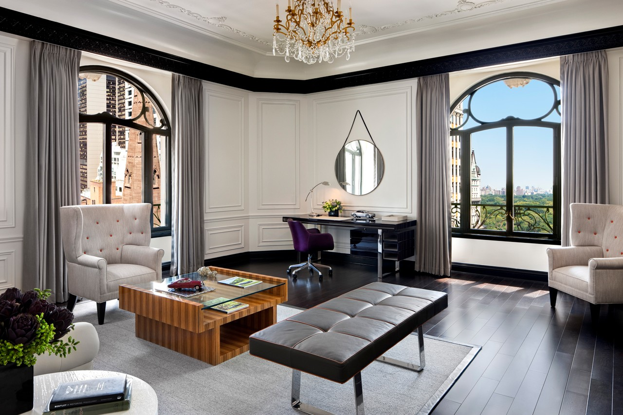 hotels rooms suites created designed by fashion designers brands lvmh cheval blanc randelhi palazzo versace dubai armani hotel milano round hill hotel jamaica ralph lauren uxua wilbert das diesel creative director