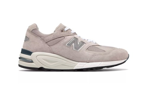"""The New Balance Made in USA 990v2 Receives a """"Grey/White"""" Revamp"""