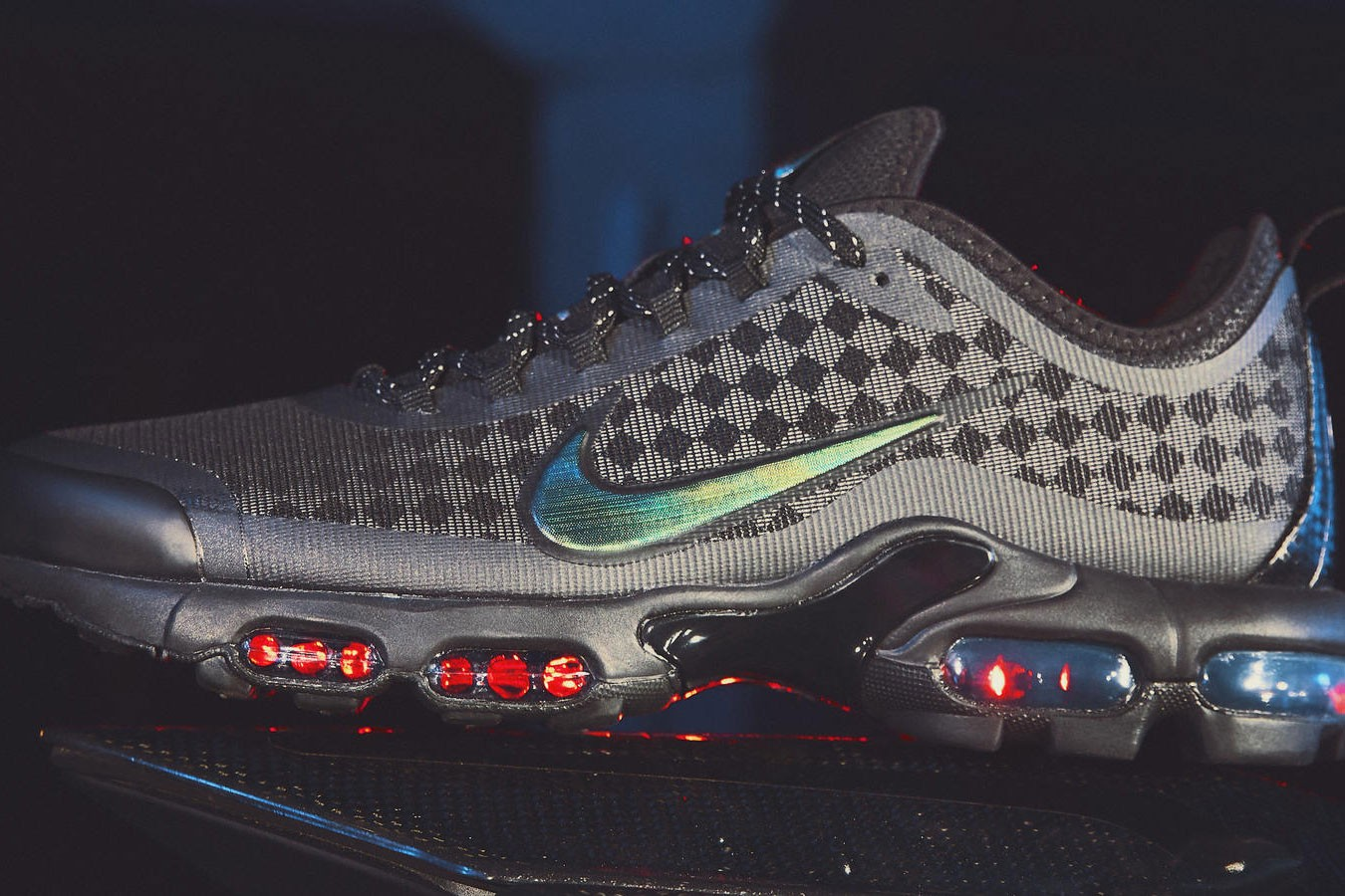nike air max plus (tuned 1) – black white and infrared