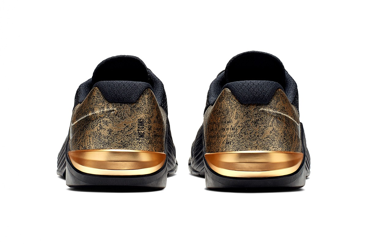 black and gold metcon 5