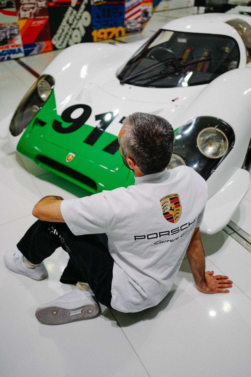 Porsche x L'art de l'automobile Carrera GT Collabo T-Shirt Arthur Kar