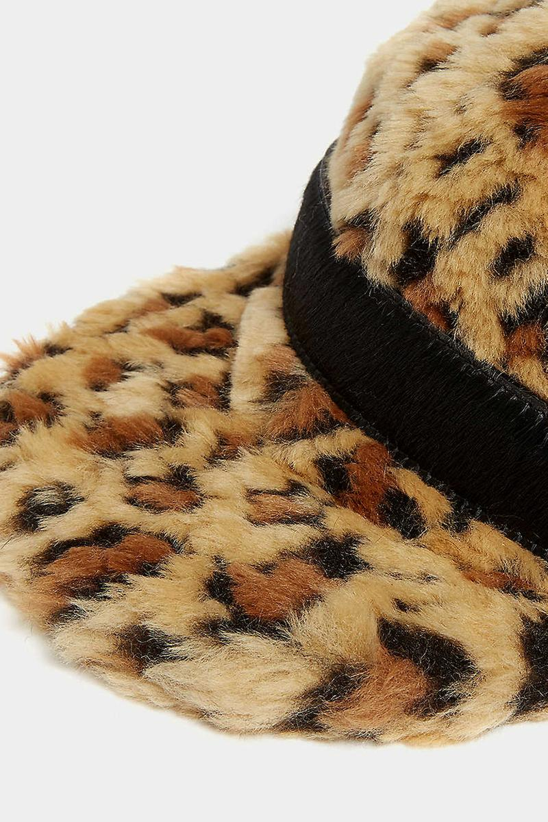 sacai Faux Fur Cap Fall/Winter 2019 Chitose Abe Fashion Designer Japanese Collection Piece Accessory Trend Leopard Print Embossed Leather Belt Strap Detailing