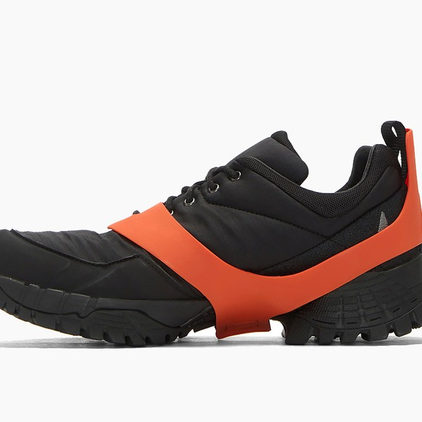 Roa Oblique Ripstop Sneaker in Black