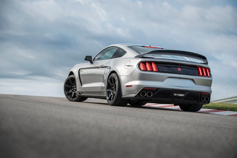 2020 Mustang Shelby GT350R Upgrade Exhaust Resonators Chassis Technology B&O Speakers Front Suspension Geometry Sports Car Ford Performance