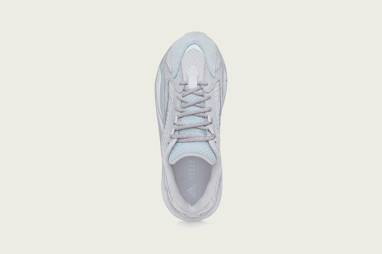 adidas YEEZY Boost 700 V2 \