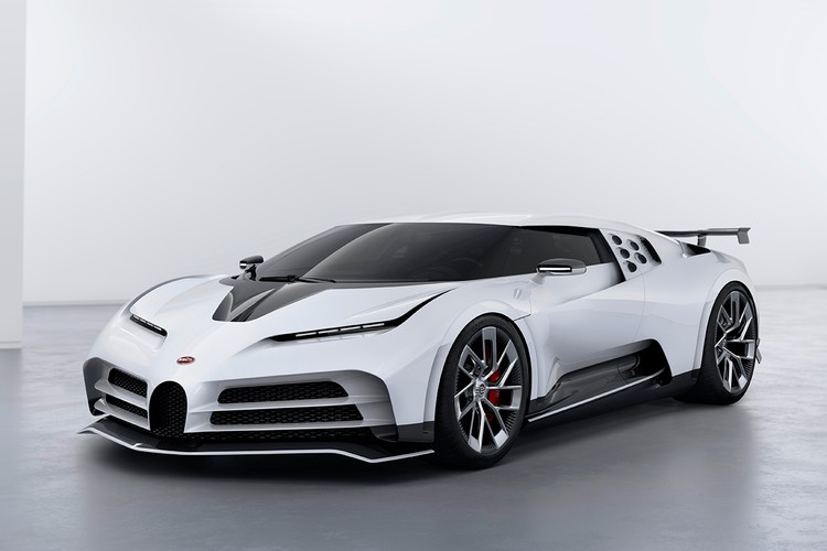 Bugatti Breaks 300MPH Barrier With Tuned Chiron | HYPEBEAST
