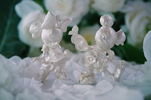 James Jean & Good Smile Company Reunite for a D23-Exclusive Mickey & Minnie Mouse Sculpture Set