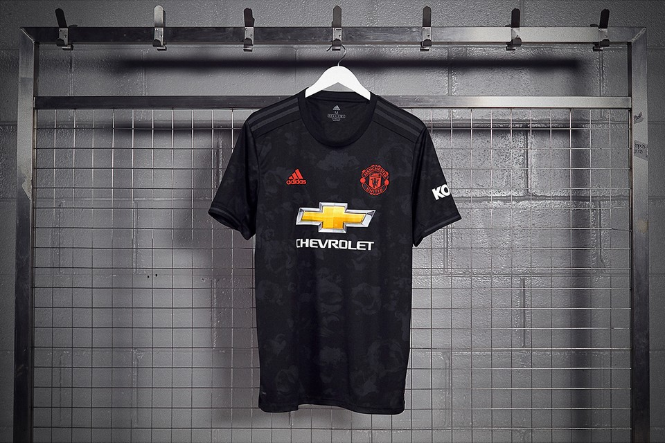 manchester united reveals third 2019 20 kit hypebeast manchester united reveals third 2019 20