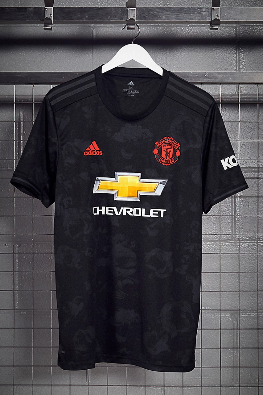Manchester United Reveals Third 2019 20 Kit Hypebeast