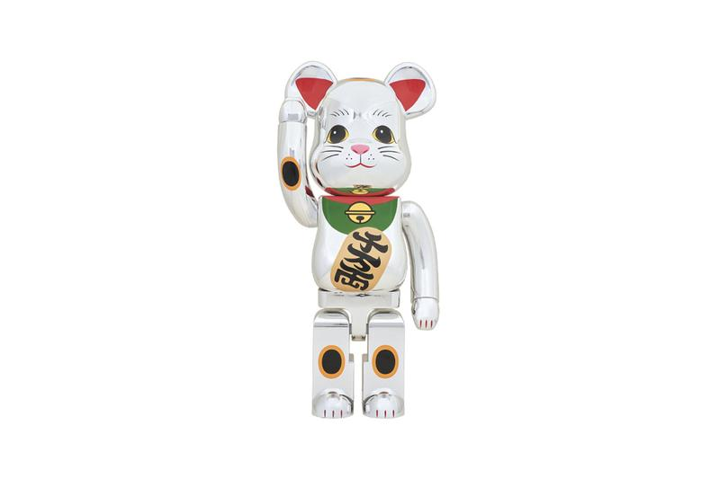 Medicom Toy BEARBRICK Beckoning Cat 1000 percent size tall maneki neko ryo right paw good luck charm talisman tail bell gold whiskers cat red ears toes