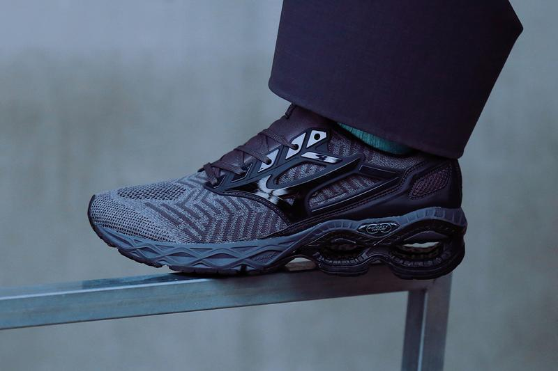 Mizuno Wave Creation WAVEKNIT Black/Grey Sneaker Release Information Tech Sole Unit Trail Footwear OG 1990s Infinity PU Foam U4icX Technology