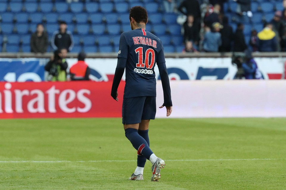 Psg Rejects Barcelona Real Madrid Bids For Neymar Jr Hypebeast
