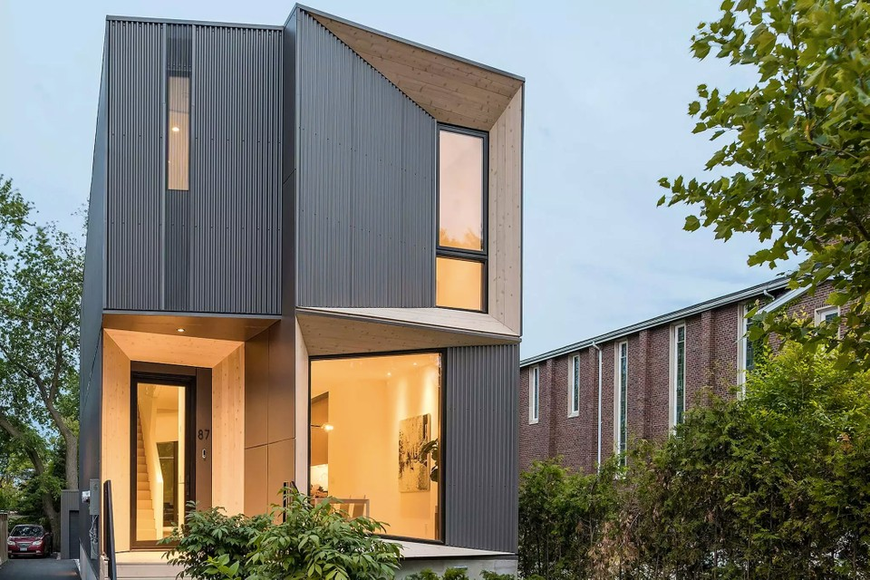 PHAEDRUS Studio's Tesseract House Was Made to Stand Out
