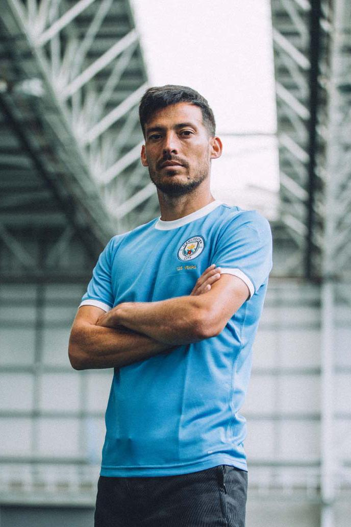 purchase cheap 70599 06688 Manchester City 125th Anniversary PUMA Kit | HYPEBEAST