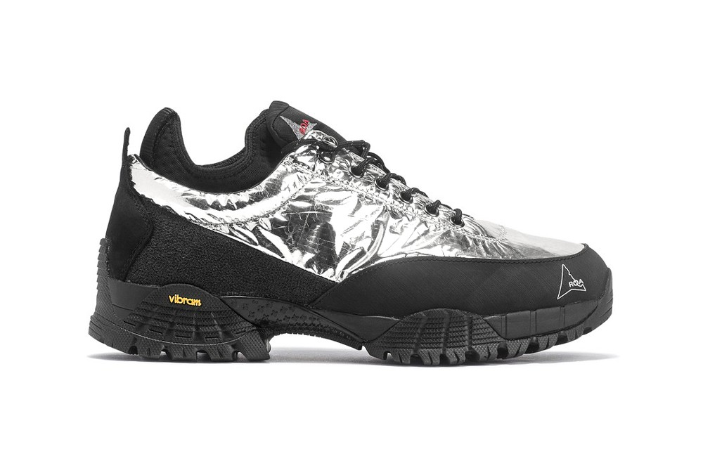 black hiking shoe