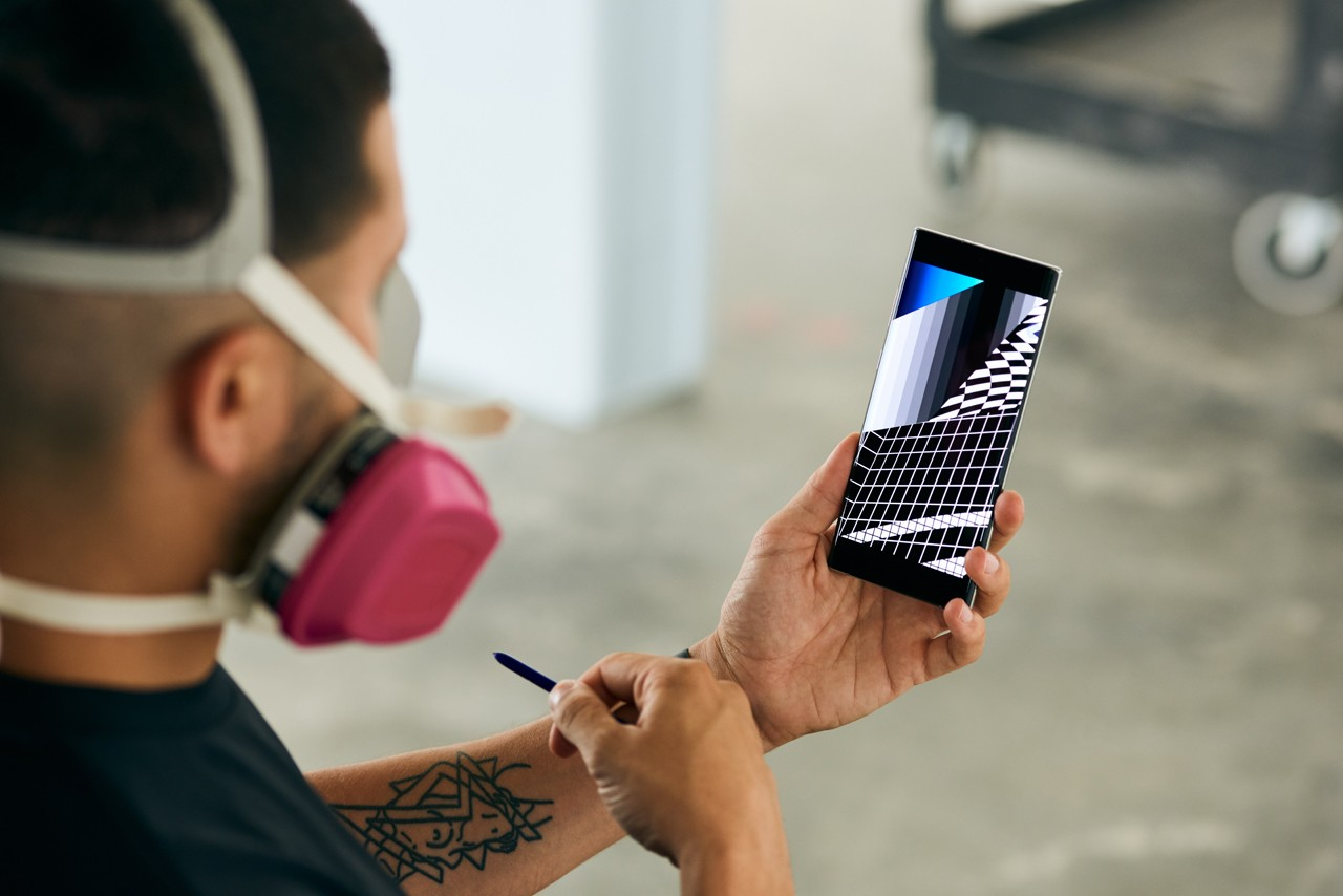 Felipe Pantone Creates on the Samsung Galaxy Note10 artist street art technology s pen new features camera features