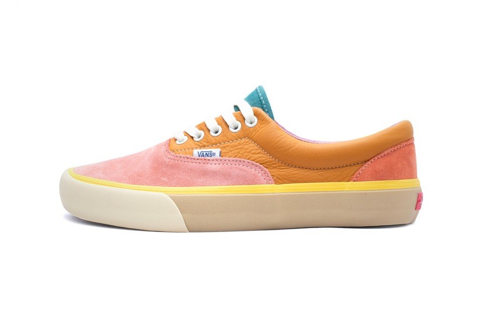 "Vans Colorblocks Its Era Silhouette in ""Rose/Orange"" and ""White/Blue"""