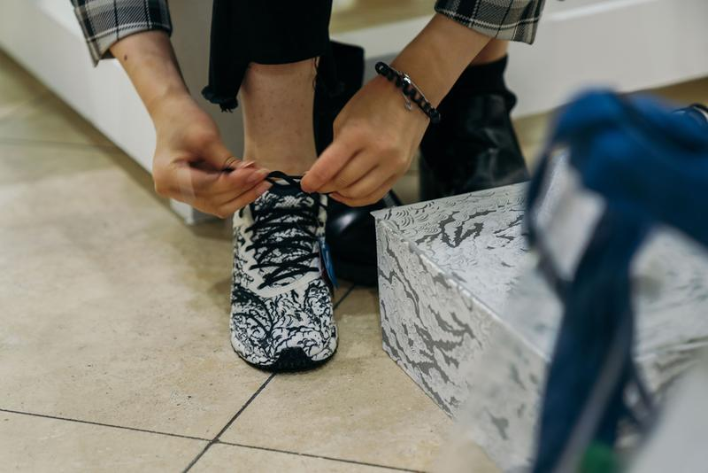 ANTA Debuts the C202/2.0 With Berlin Launch black white china art chinese traditional running athletics marathon running runner sportswear sports