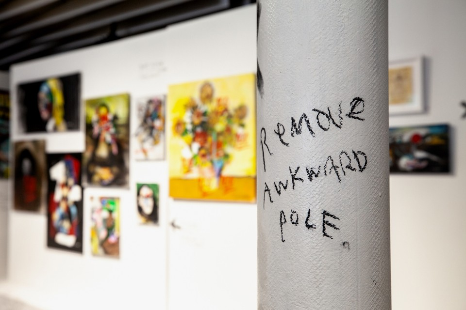 """Anthony Lister Leaves Quirky Notes for Art Handlers in """"Modern Masters"""" Exhibit"""