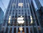 Apple Finally Reopens Its Newly Renovated Fifth Avenue Store (UPDATE)