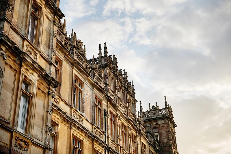 Rent Downton Abbey Castle Airbnb Listing Exclusive One Night Royalty England Travel