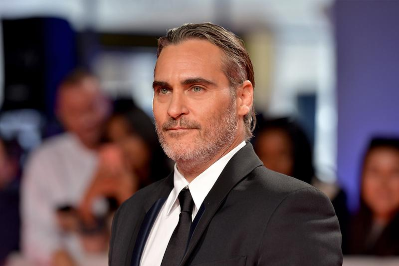 Joaquin Phoenix Walks Out of '...