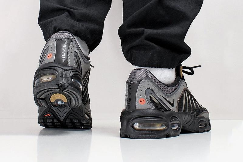 Nike Air Max Tailwind IV Black Metallic Pewter Gold Footwear sneaker 1999 20th anniversary gradient shoes max air unit sole 3m retro vintage reissue