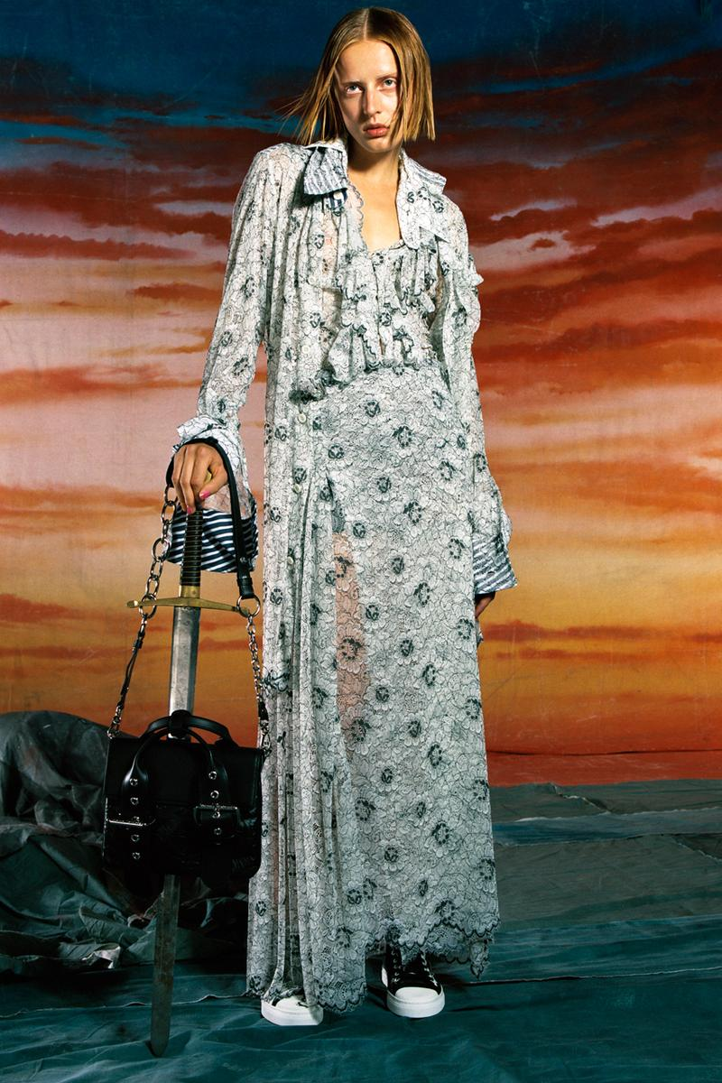 vivienne westwood spring summer 2020 ss20 collection campaign london fashion week sustainable rots rotten financial system no mans land hugo comte the art board