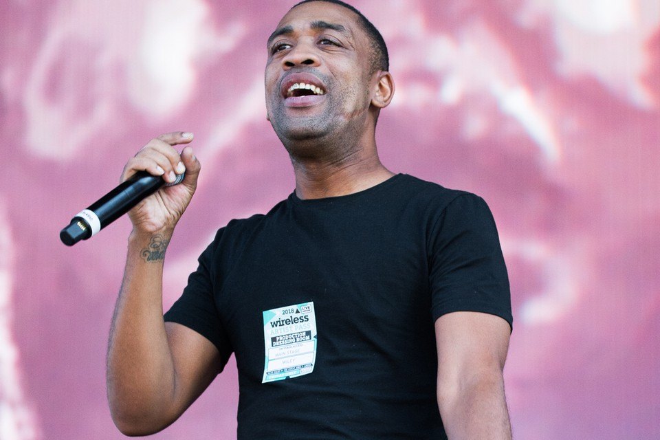 """Wiley Takes Aim at Drake Over OVO's """"Sh*t Record Deals"""""""