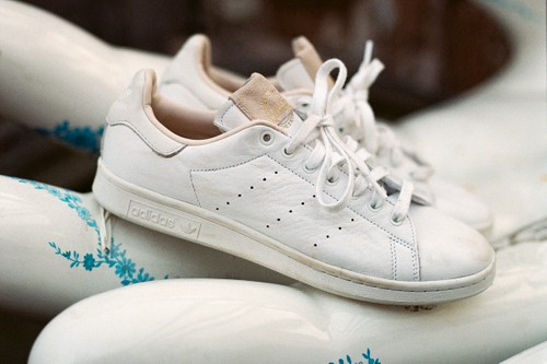"""adidas Originals Partners With Global Travel Community Trippin' for New """"Home of Classics"""" Pack"""