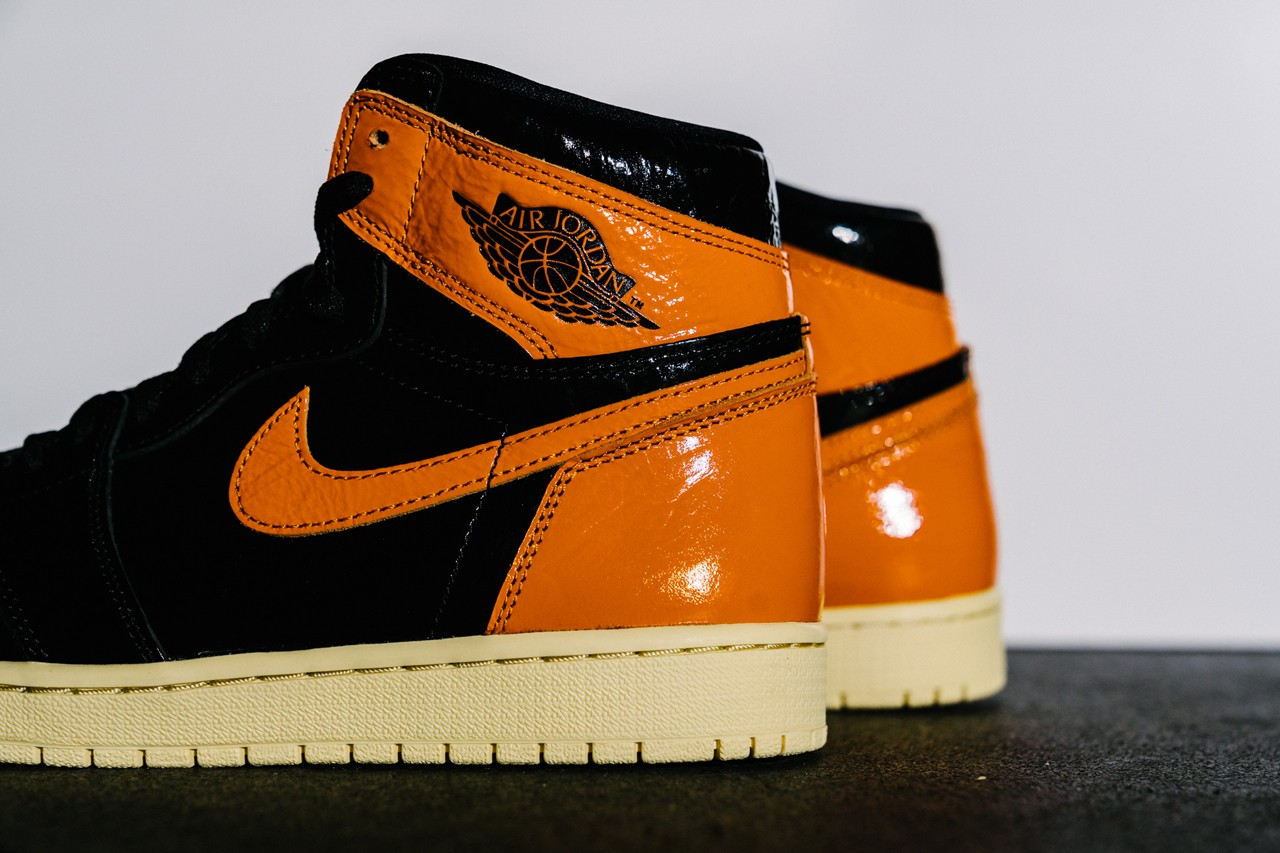 aj 1 orange