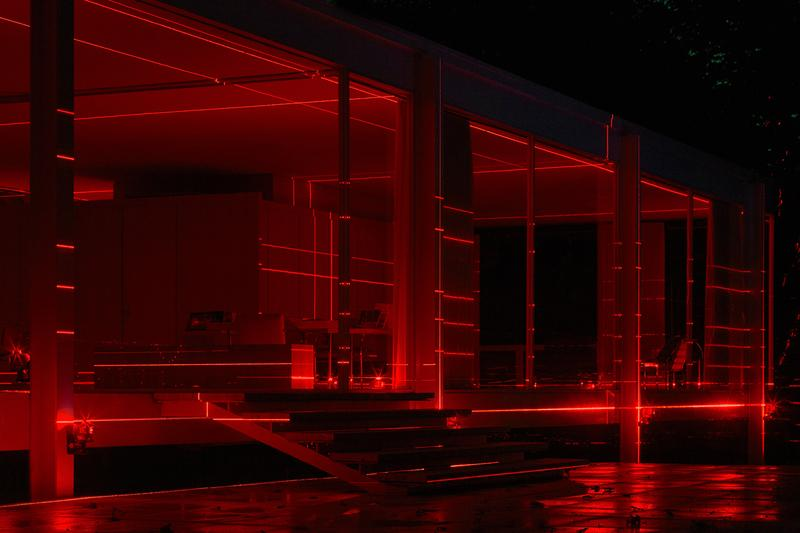 geometry of light red lasers iker gil luftwerk mies van der rohe farnsworth house 2019 installation