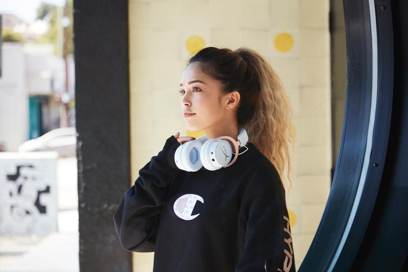 HyperX Champion Capsule Collection Release Cotton T-shirt Reverse Weave Hoodies Crewnecks Rose Gold White HyperX Cloud MIX Headphone and Wired Game Headset