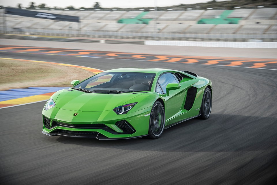 Lamborghini Reportedly Working on Track-Only Aventador SVR