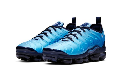 """Nike Refreshes the Air VaporMax Plus in """"Light Current Blue"""""""
