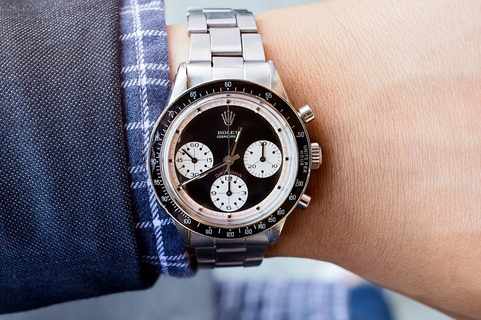 "Rare Rolex Daytona 6241 ""Paul Newman"" Found in $25 USD Thrift-Store Couch"