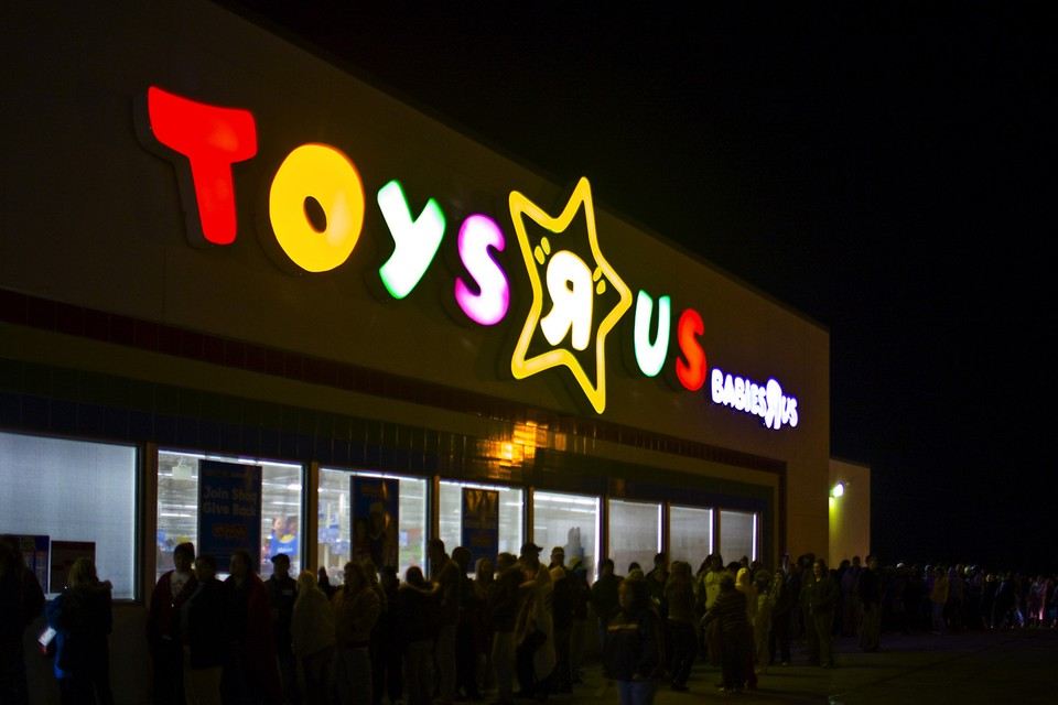 "Toys ""R"" Us Teams up with Target to Resurrect Its Official Website"