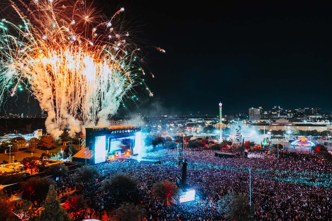 Travis Scott's Astroworld Festival 2019 Recap photos event events activations nike planetarium ferris wheel carousel performers megan thee stallion kanye west pharrell williams marilyn manson dj screw houston texas paul wall bun b migos offset young thug sheck wes rosalia