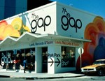 Gap CEO Art Peck Steps Down, Third Quarter Results Show Decline