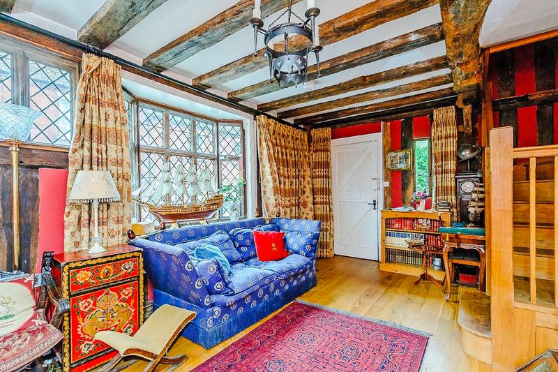 Harry Potter Godric's Hollow Home Rent Airbnb jk rowling daniel radcliffe