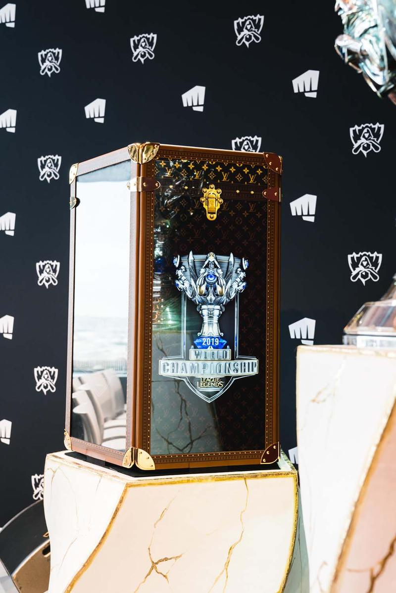 Louis Vuitton League of Legends Champion Trophy Gaming LV Vuitton Trunk Case E-Sports