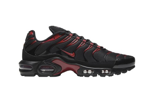 """Nike Applies a Mix of """"University Red/Black"""" to the Air Max Plus"""