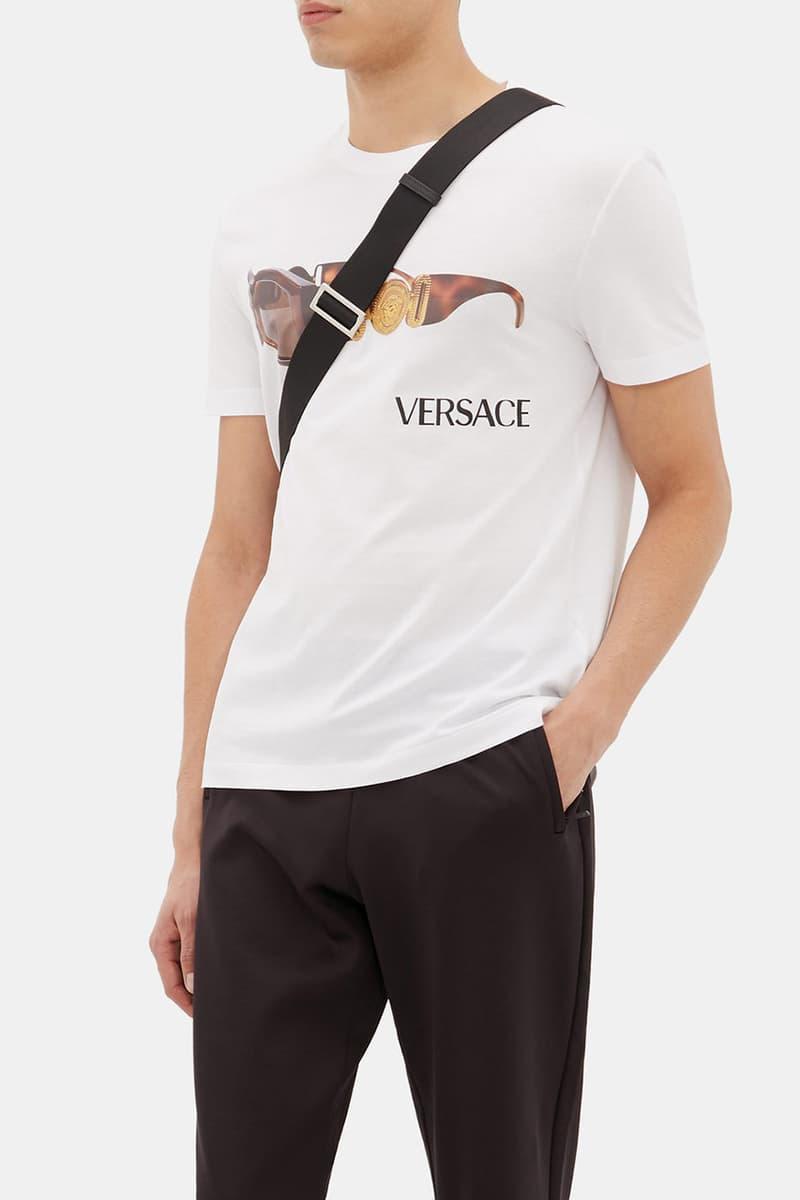 Versace Vintage-Sunglasses and Logo-Print Cotton T-Shirt Gianna Versace Donatella 1990s 90s Big Motif Graphic Design Retro Short Sleeve White MATCHESFASHION.COM Buy Cop Online TTS True to Size Fit