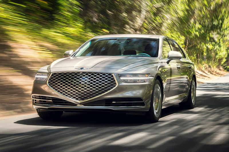 2020 Genesis G90 Luxury Korean Saloon Car Reveal Closer Look Automotive News Hyundai Group 3.3-liter turbocharged V6 5.0-liter V8 Engine 2019 Los Angeles Auto Show New Body Kit Styling