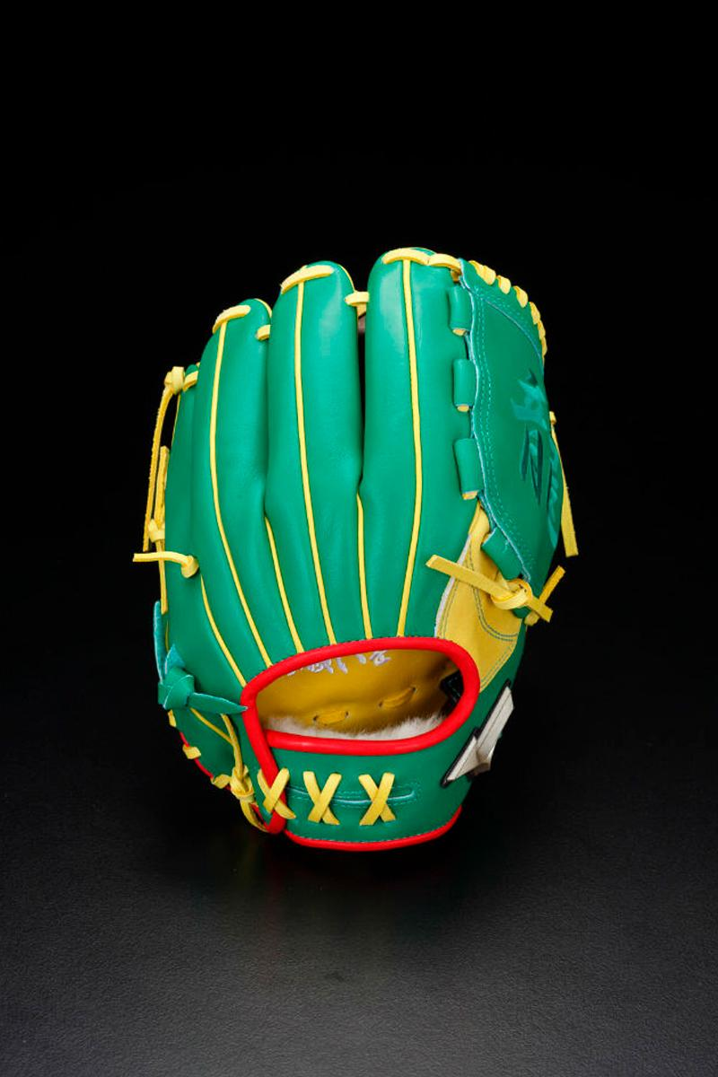 Bandai Mizuno Dragon Ball Z Baseball Equipment Catchers Gear Gloves Vegeta Goku Piccolo Shenron Frieza mitts