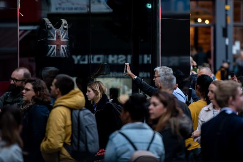 Banksy England Streets Crowd
