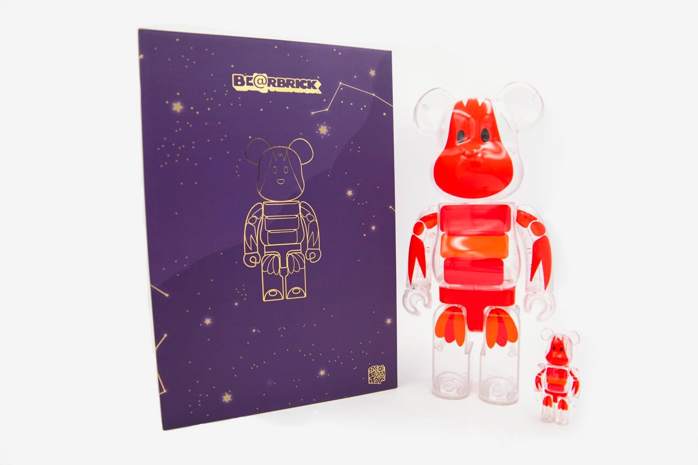 Medicom Toy to Hold BEARBRICK PLANET Exhibition China Changsha IFS Tower T1 skyscraper installations skyscraper toys accessories collectibles japanese crayfish transparent