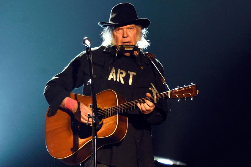 neil-young-shares-list-unreleased-music-info-1.jpg